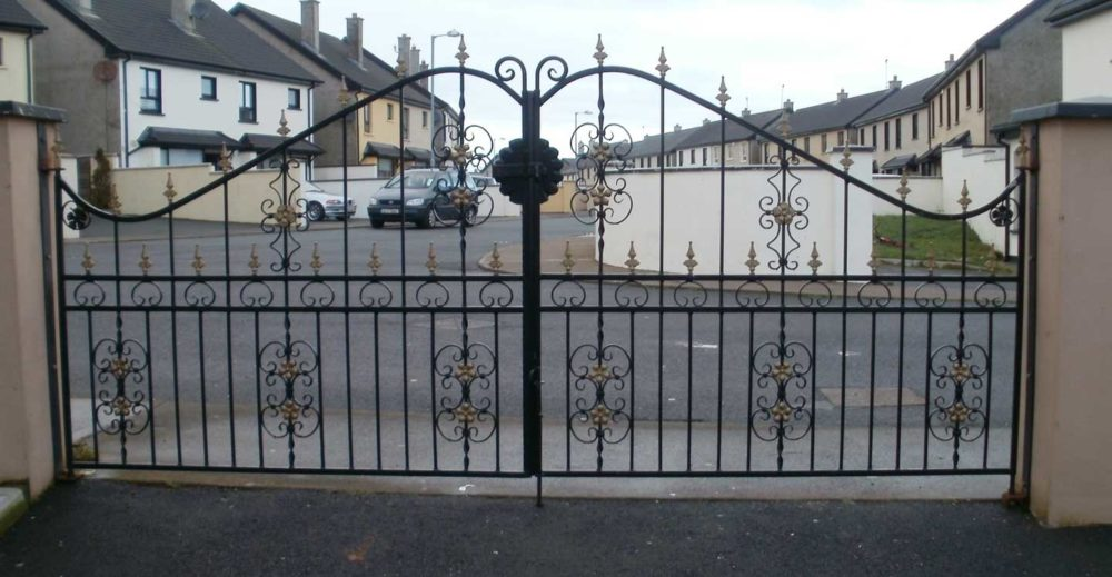 wrought iron entrance gates cork, wrought iron driveway gates cork, steel entrance gates cork, steel driveway gates cork, gates supplier cork,