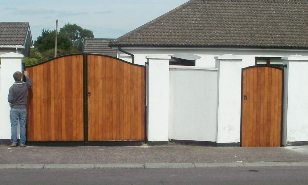 Teak Entrance Gates Cork, Teak Side Gates Cork, Teak driveway gates cork, steel with teak gates cork,