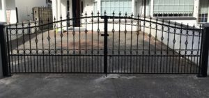 wrougth iron entrance gates, wrought iron driveway gates, entrance gates cork,