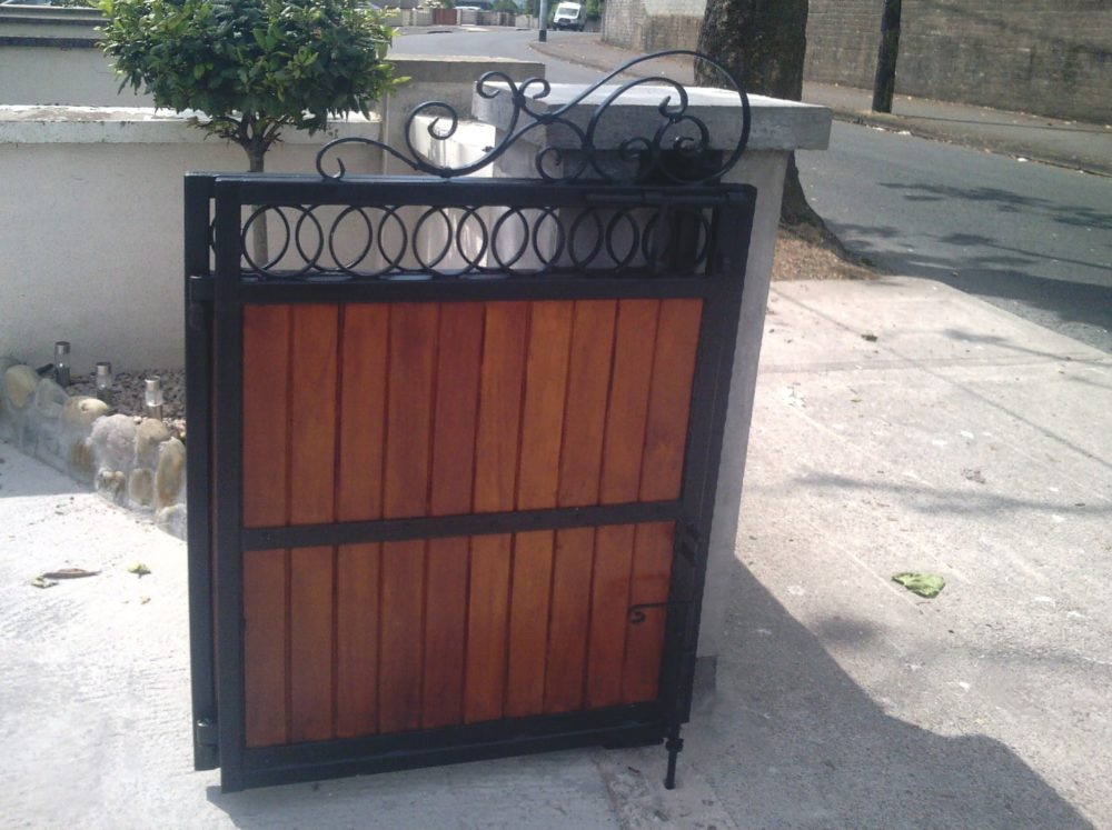 Folding Teak Entrance Gates, Folding Teak Driveway Gates, Steel Frame with Teak Entrance Gates,
