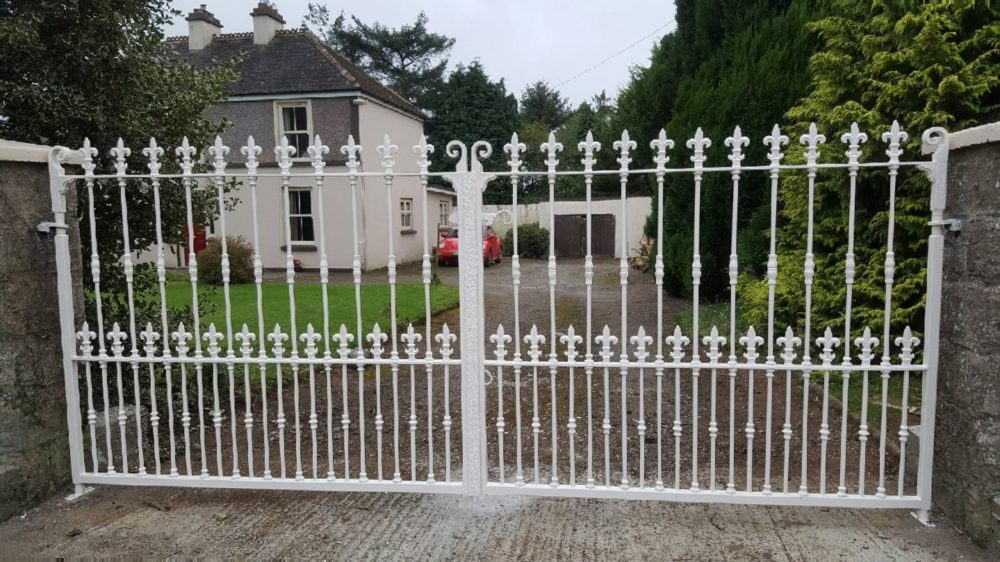 Steel Entrance Gates, Wrought Iron Entrance Gates, Powdercoated Entrance Gates, Cream Wrought Iron Entrance Gates,