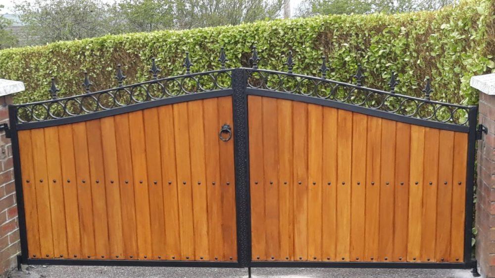Teak Entrance Gates, Teak Driveway Gates, Teak Gates